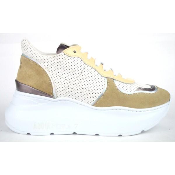 Andia fora Sneakers Beige Fondo gomma
